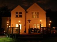 Oakhurst Bed & Breakfast - at night